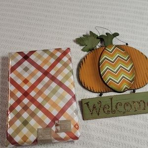 """NWT 90"""" Round Autumn Gingham Tablecloth"""